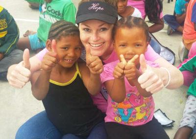 hope-volunteer-with-kids